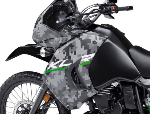 2016 Kawasaki KLR 650 Camo in San Francisco, California - Photo 4