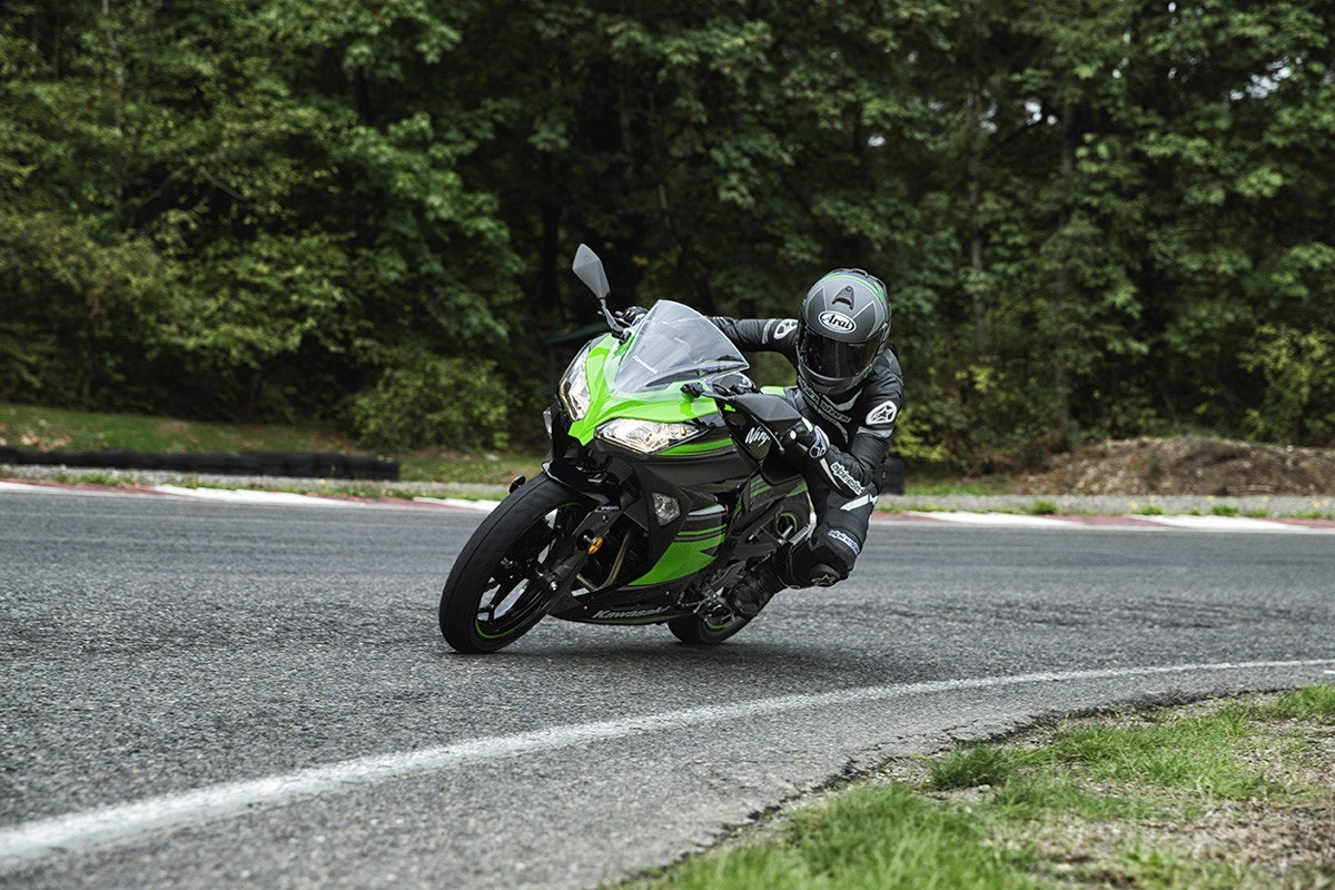 2016 Kawasaki Ninja 300 ABS KRT Edition in Tarentum, Pennsylvania - Photo 11
