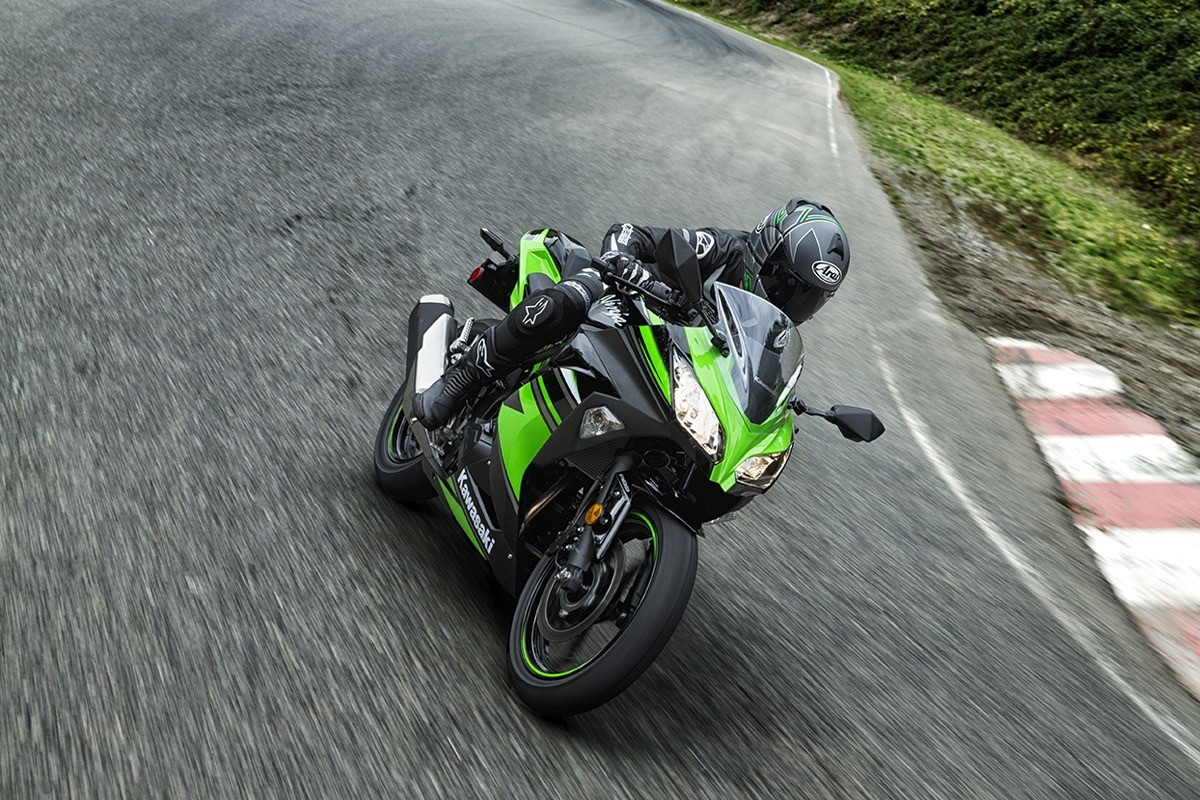 2016 Kawasaki Ninja 300 ABS KRT Edition in Tarentum, Pennsylvania - Photo 13