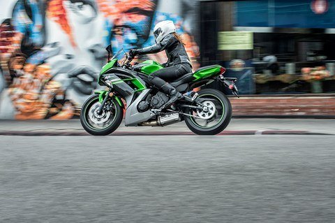 2016 Kawasaki Ninja 650 ABS in North Reading, Massachusetts - Photo 15