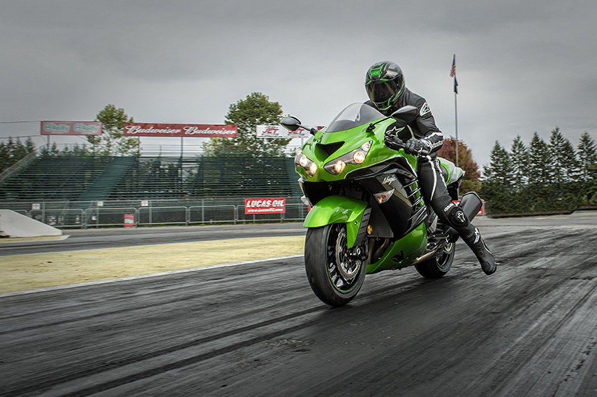 2016 Kawasaki Ninja ZX-14R ABS in North Reading, Massachusetts - Photo 11
