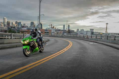 2016 Kawasaki Ninja ZX-14R ABS in North Reading, Massachusetts - Photo 12