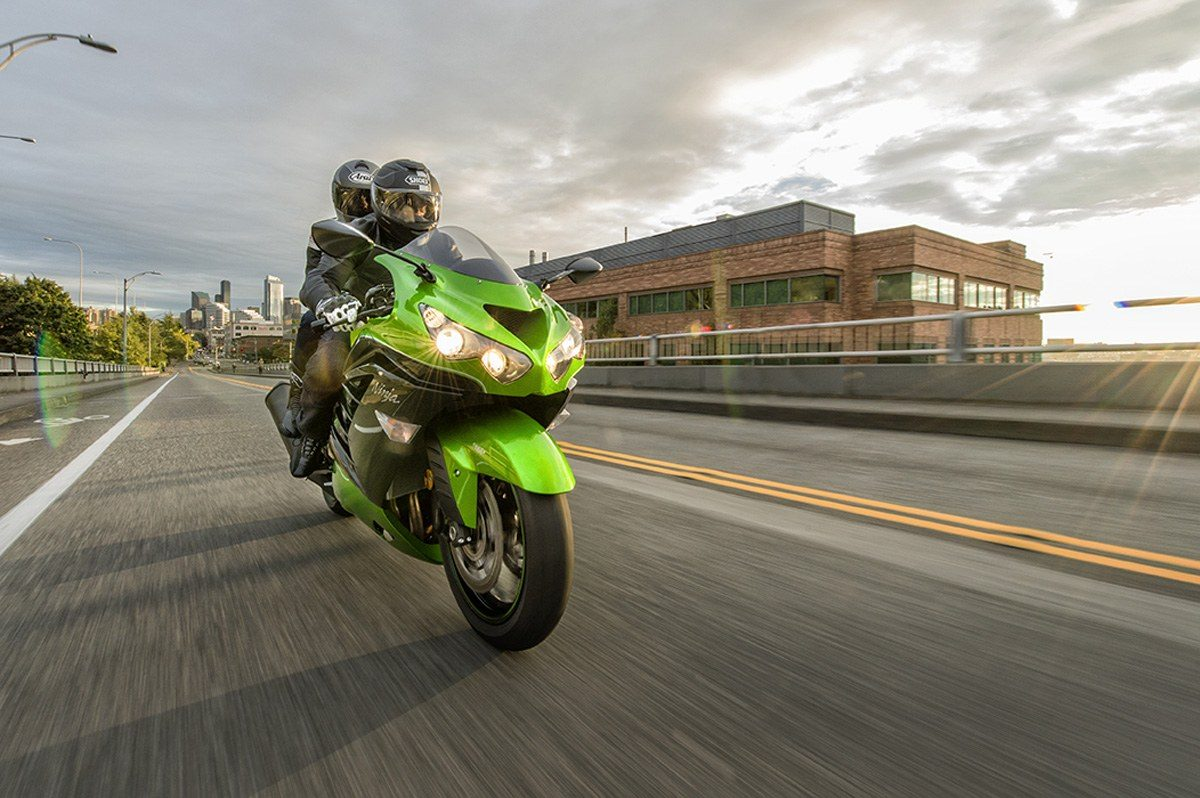 2016 Kawasaki Ninja ZX-14R ABS in North Reading, Massachusetts - Photo 14