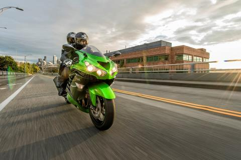 2016 Kawasaki Ninja ZX-14R ABS in Winterset, Iowa