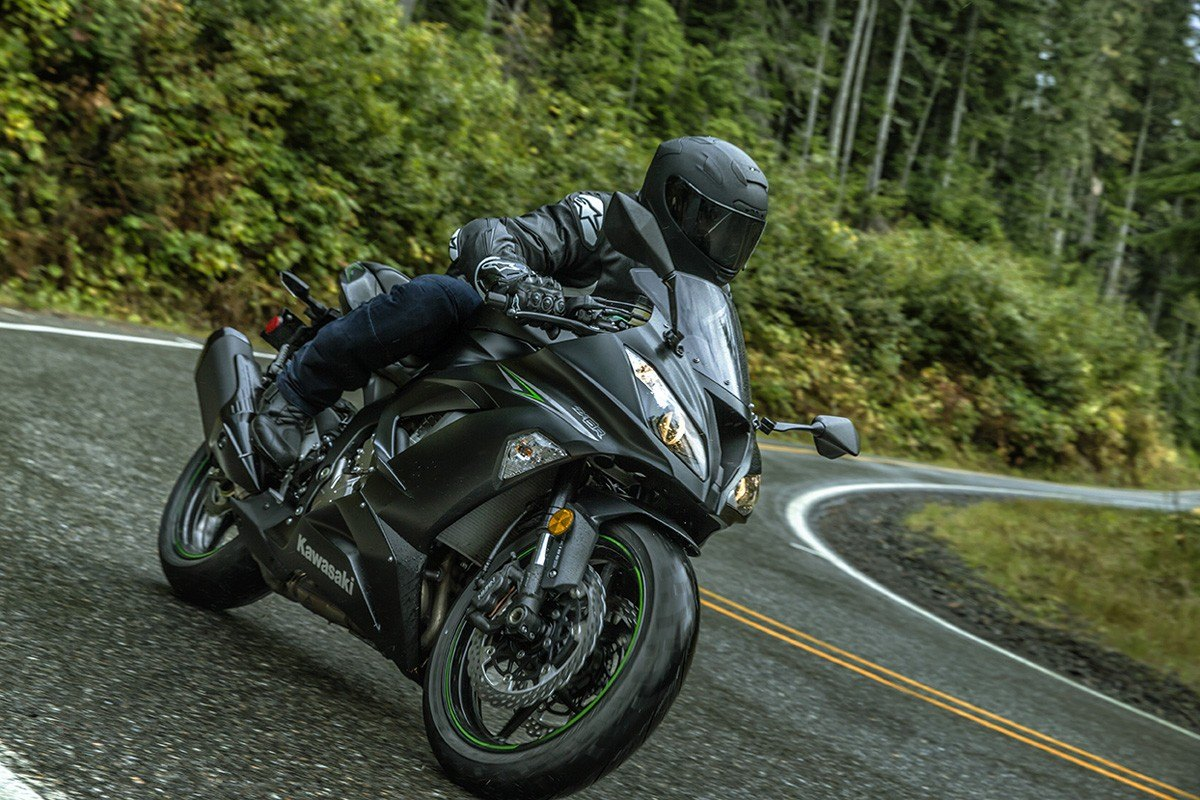 2016 Kawasaki Ninja ZX-6R ABS in Bristol, Virginia