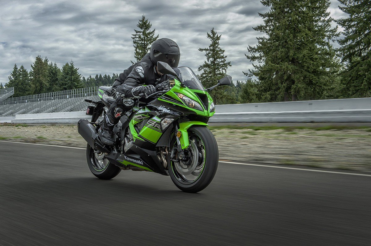 2016 Kawasaki Ninja ZX-6R ABS KRT Edition in Cedar Falls, Iowa - Photo 11