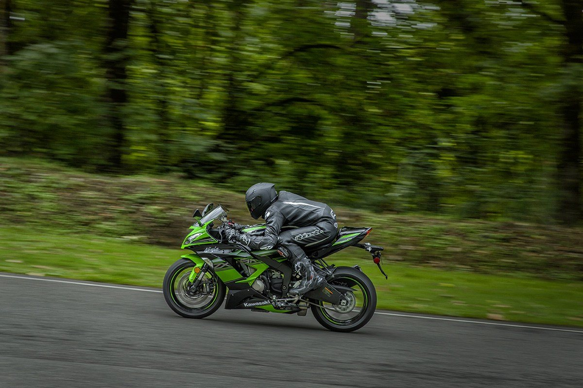 2016 Kawasaki Ninja ZX-6R KRT Edition in North Reading, Massachusetts - Photo 6
