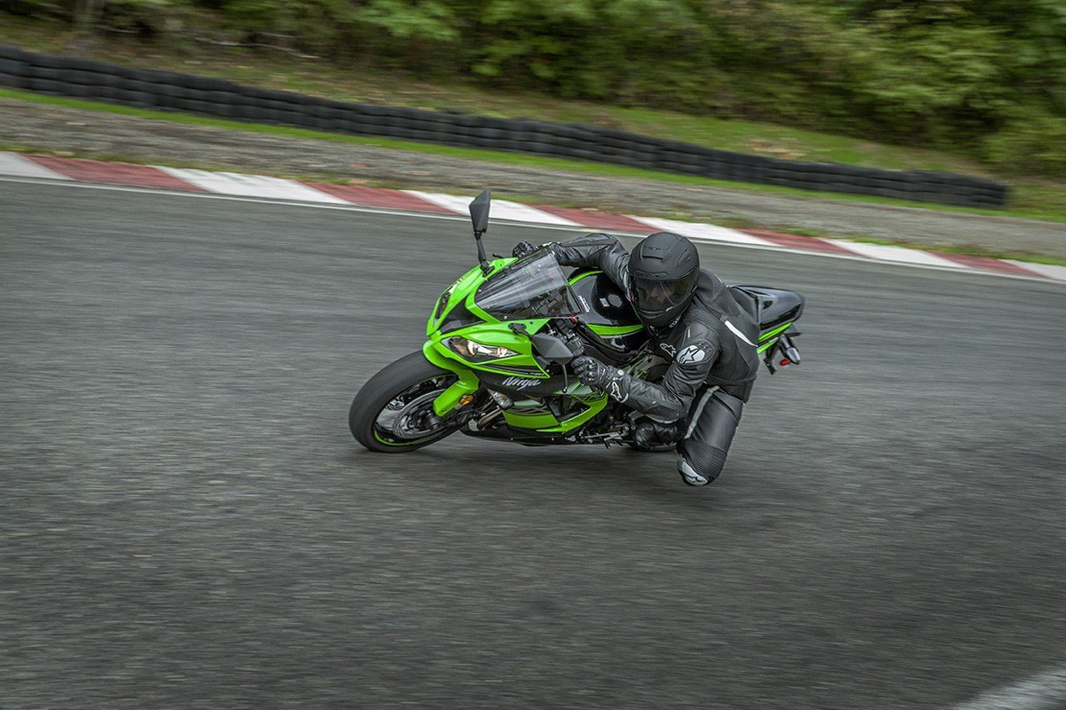 2016 Kawasaki Ninja ZX-6R KRT Edition in North Reading, Massachusetts - Photo 7