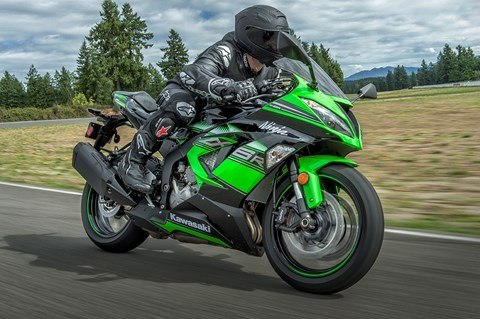 2016 Kawasaki Ninja ZX-6R KRT Edition in North Reading, Massachusetts - Photo 10