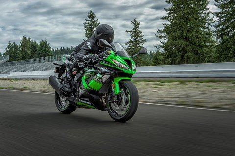 2016 Kawasaki Ninja ZX-6R KRT Edition in North Reading, Massachusetts - Photo 11