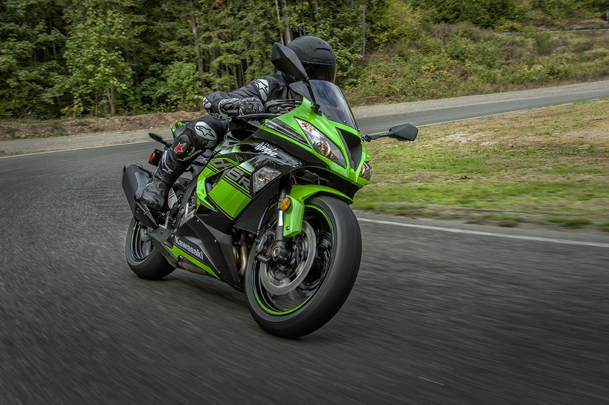 2016 Kawasaki Ninja ZX-6R KRT Edition in Charleston, Illinois