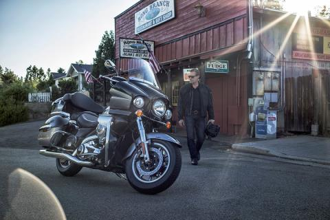 2016 Kawasaki Vulcan 1700 Voyager ABS in North Reading, Massachusetts - Photo 12