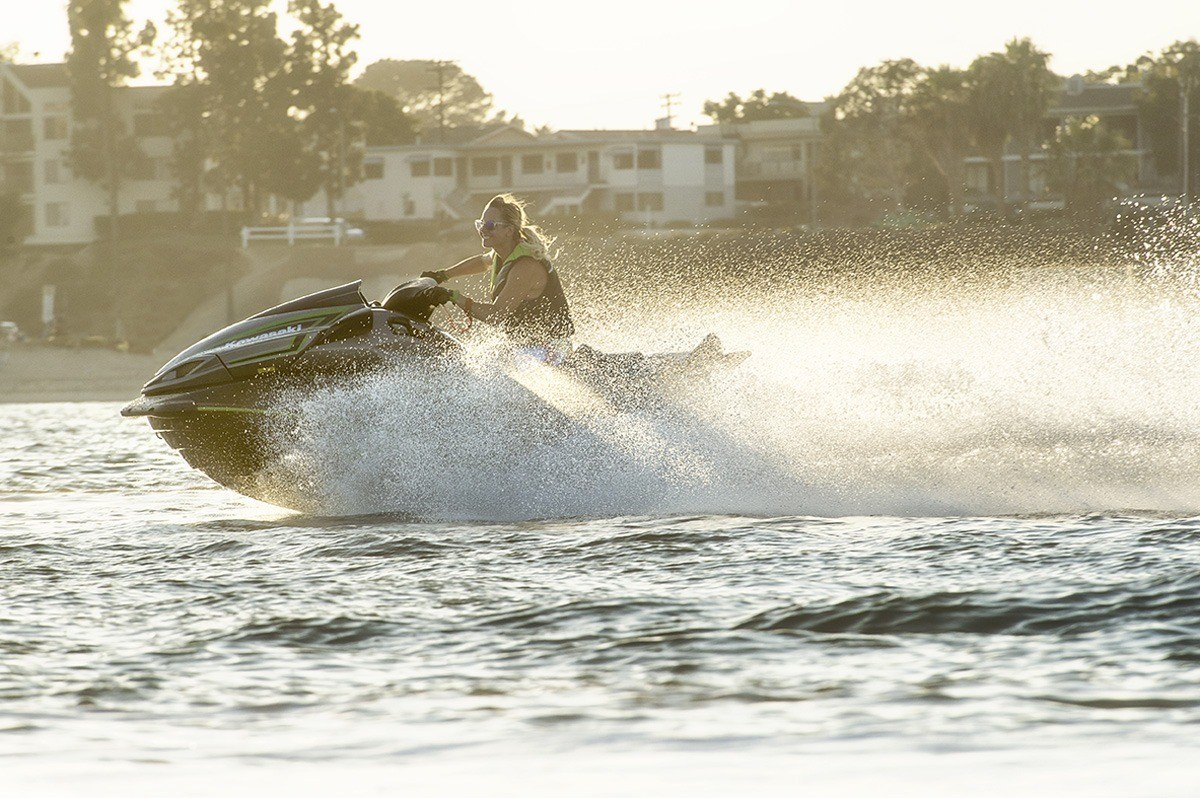 2016 Kawasaki Jet Ski Ultra LX in North Reading, Massachusetts - Photo 18