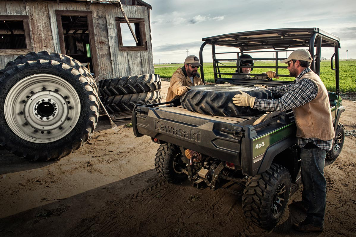 2016 Kawasaki Mule Pro-FX EPS LE in Chanute, Kansas