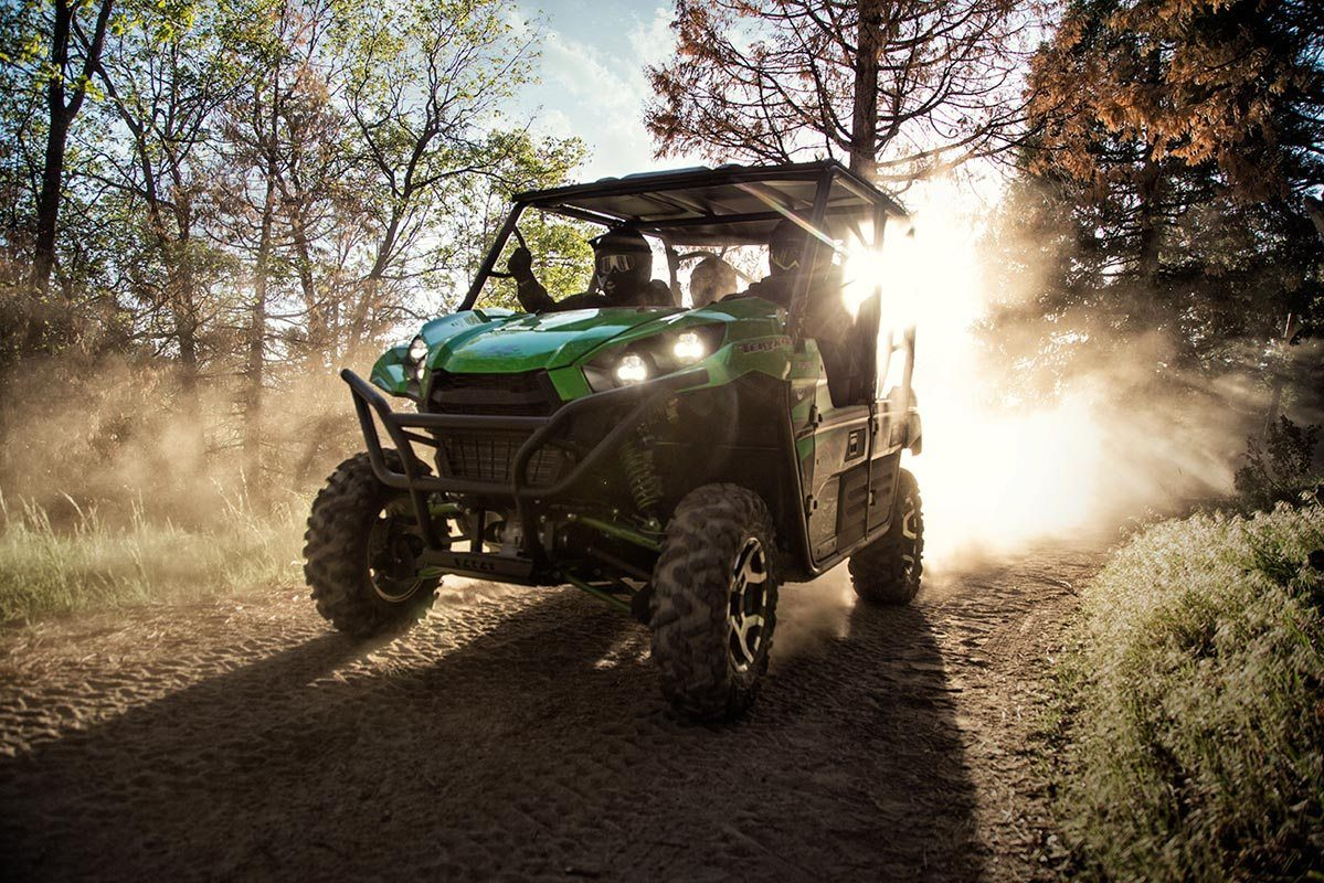 2016 Kawasaki Teryx4 LE in North Reading, Massachusetts