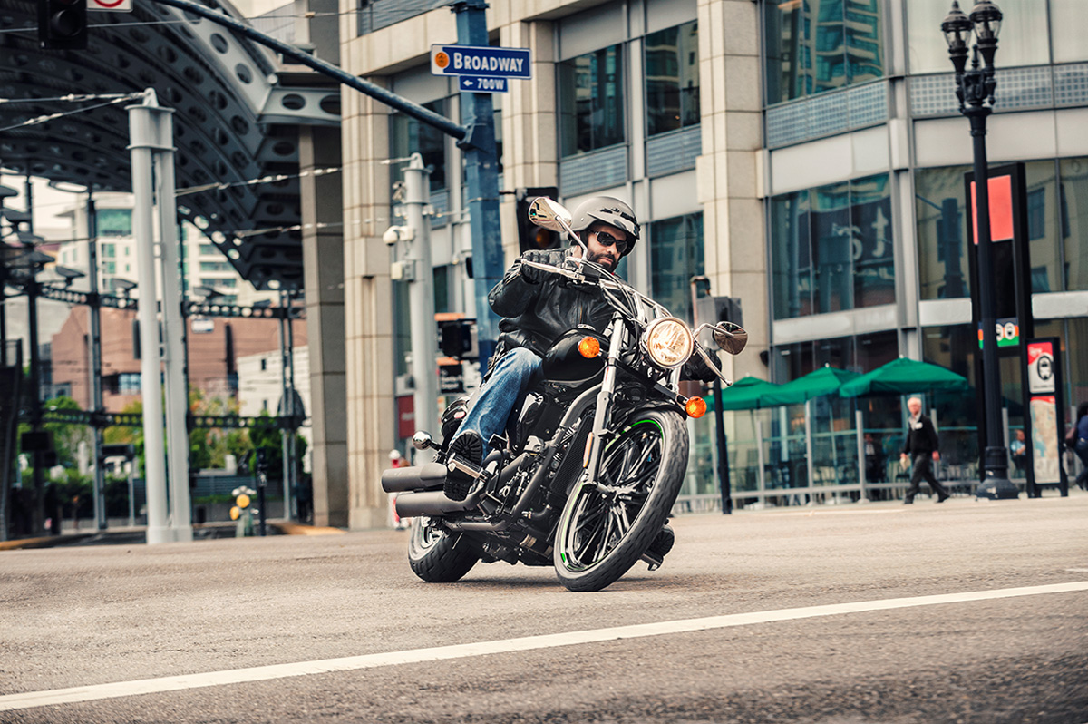 2017 Kawasaki Vulcan 900 Custom in Canton, Ohio