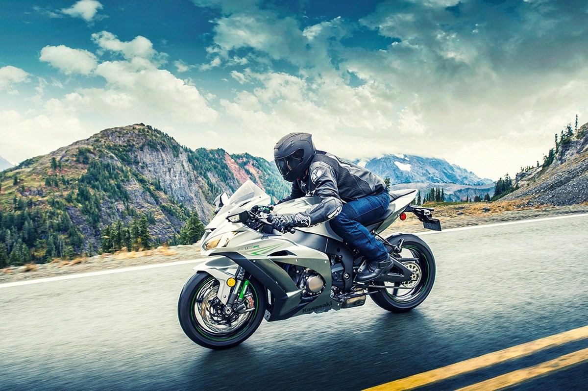 2017 Kawasaki NINJA ZX-10R ABS in Colorado Springs, Colorado