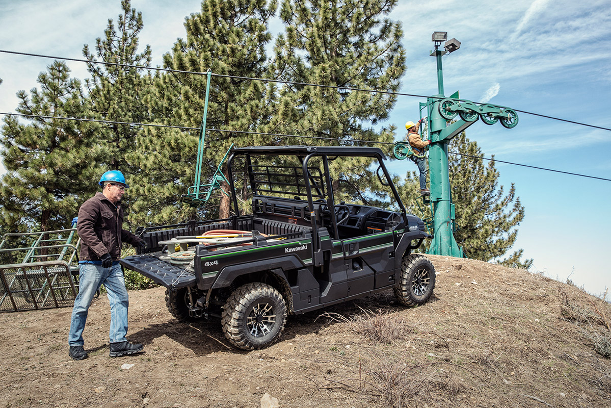 2017 Kawasaki Mule PRO-FX EPS LE in Hollister, California