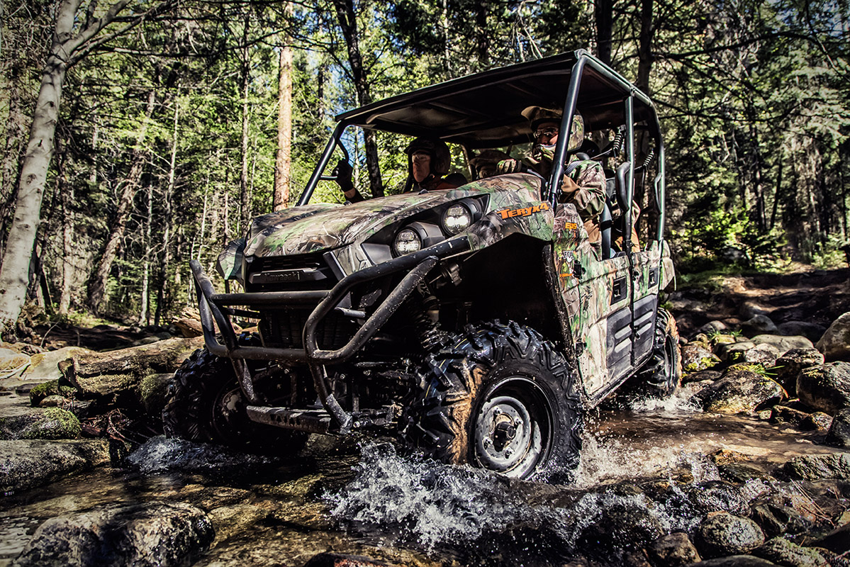 2017 Kawasaki Teryx4 Camo in Asheville, North Carolina
