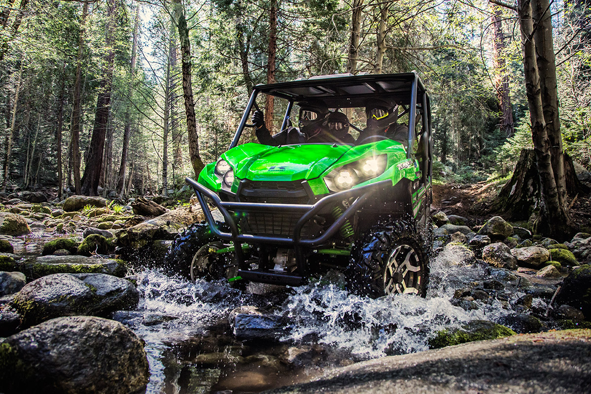 2017 Kawasaki Teryx4 LE in South Paris, Maine
