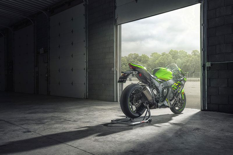 2018 Kawasaki NINJA ZX-10R ABS KRT EDITION in Laurel, Maryland - Photo 4