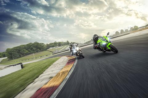2018 Kawasaki NINJA ZX-10R ABS KRT EDITION in Talladega, Alabama - Photo 15