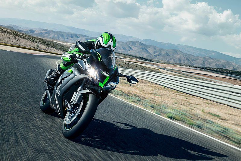 2018 Kawasaki Ninja ZX-10R SE in Bellevue, Washington - Photo 8