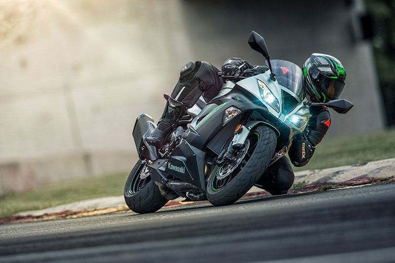2018 Kawasaki NINJA ZX-6R ABS in Barre, Massachusetts
