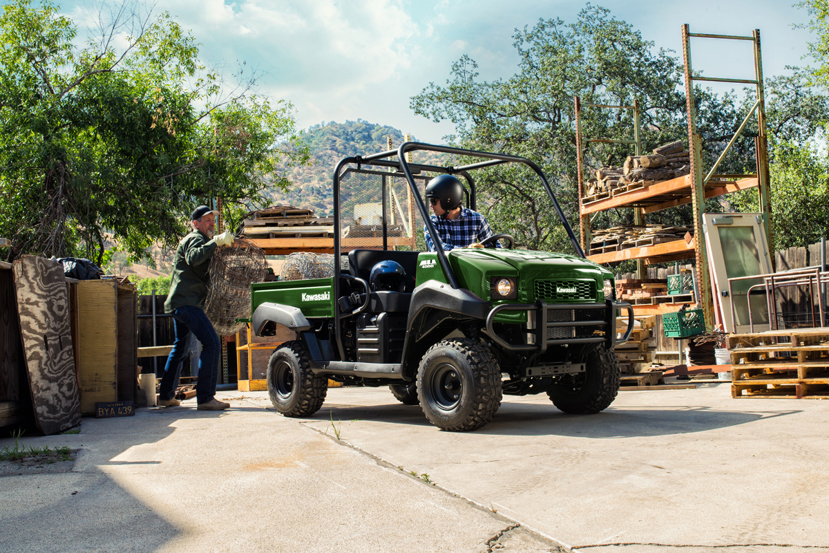 2018 Kawasaki Mule 4000 in Fairfield, Illinois