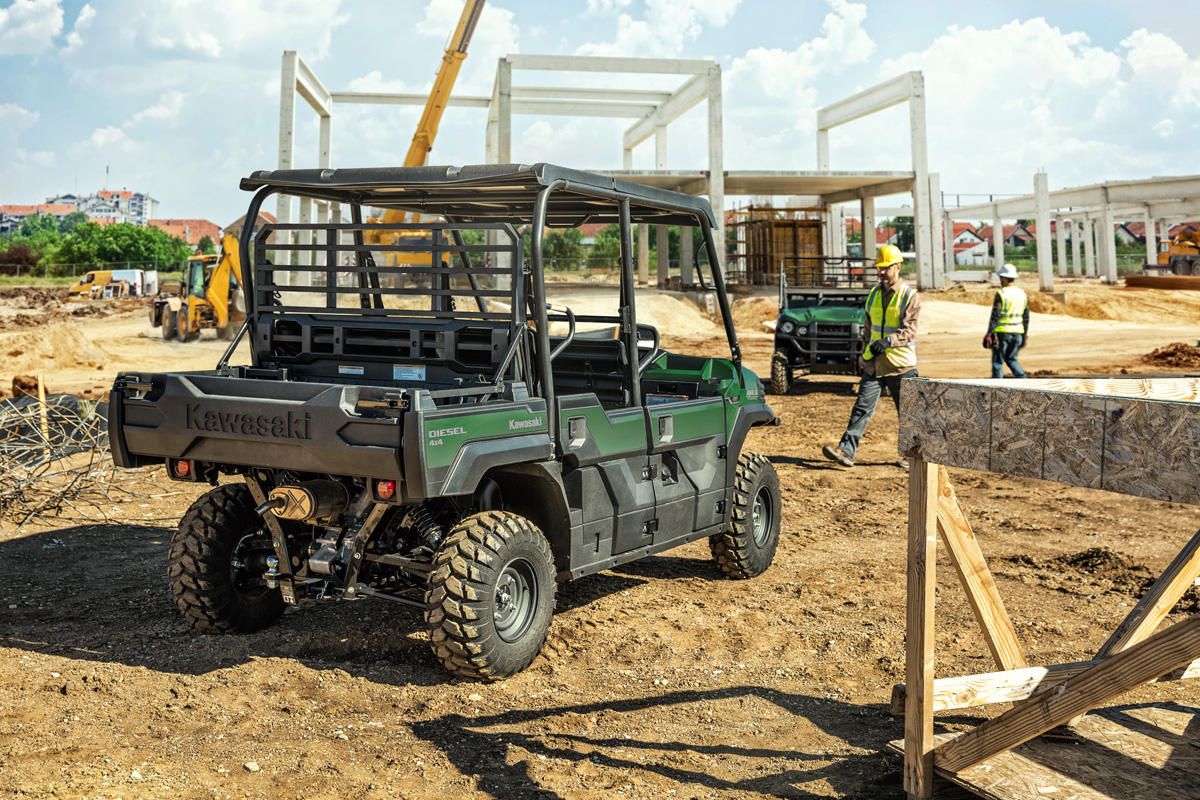 2018 Kawasaki Mule PRO-DXT EPS Diesel in Fairfield, Illinois