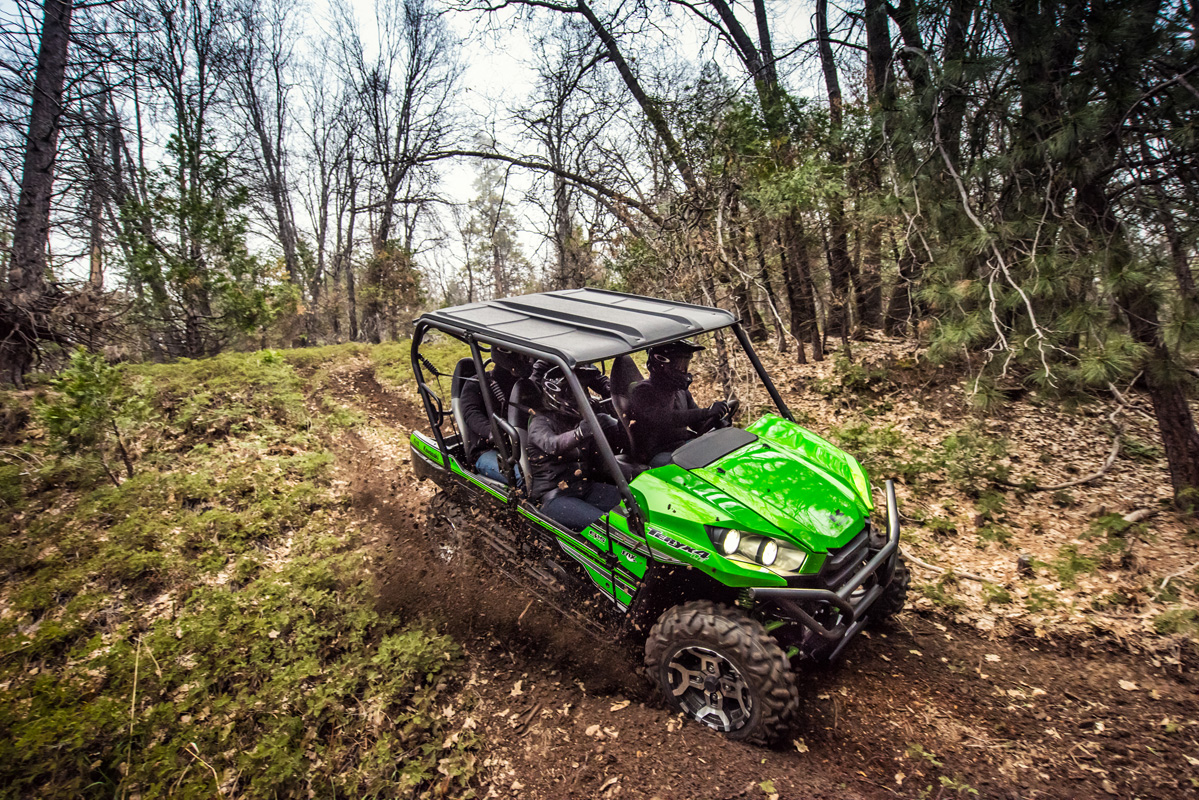 2018 Kawasaki Teryx4 LE Camo in Danville, West Virginia