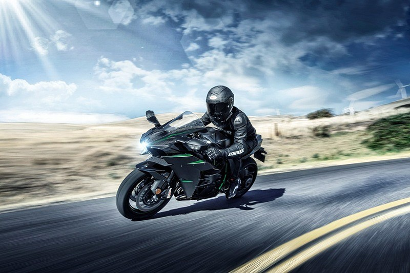 2019 Kawasaki Ninja H2 Carbon in Mount Pleasant, Michigan - Photo 4
