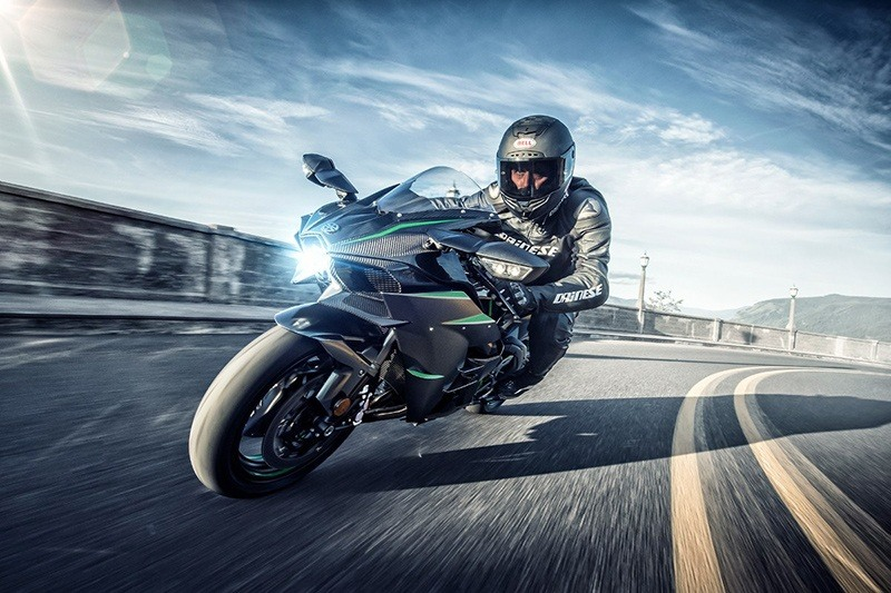 2019 Kawasaki Ninja H2 Carbon in Gaylord, Michigan - Photo 5