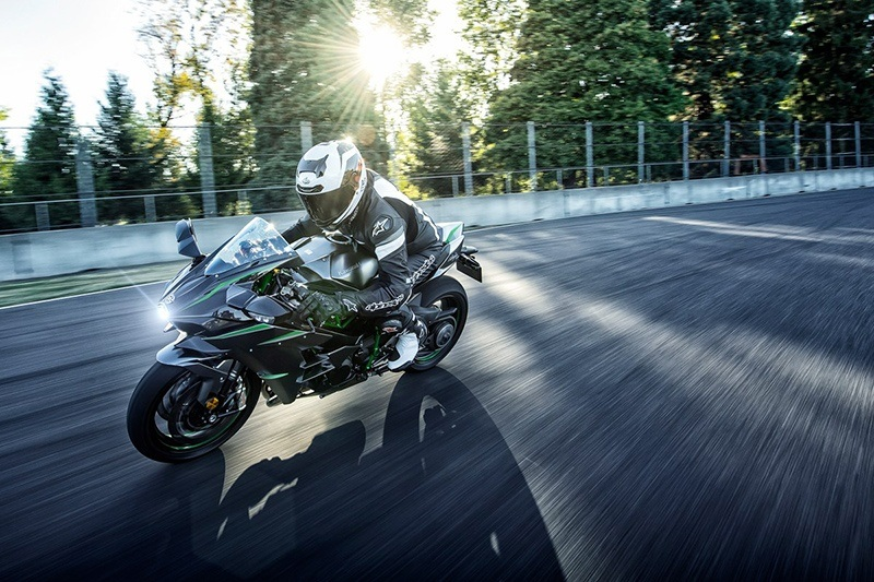 2019 Kawasaki Ninja H2 Carbon in Northampton, Massachusetts - Photo 8