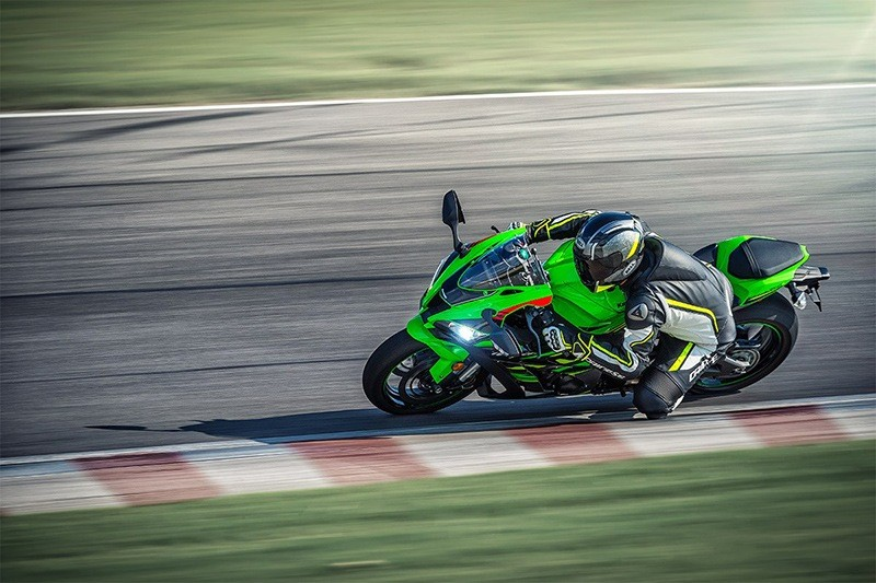 2019 Kawasaki Ninja ZX-10R KRT Edition in Howell, Michigan - Photo 4