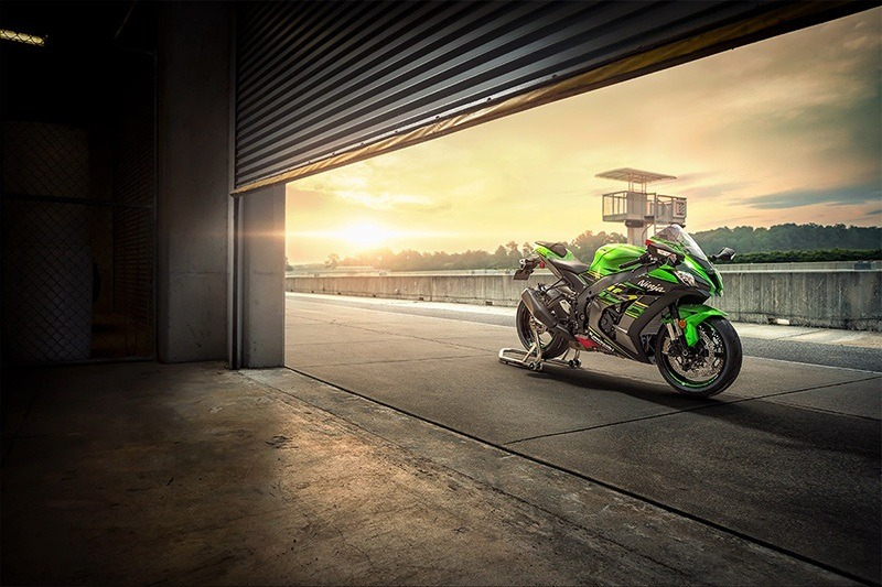 2019 Kawasaki Ninja ZX-10R KRT Edition in White Plains, New York - Photo 8