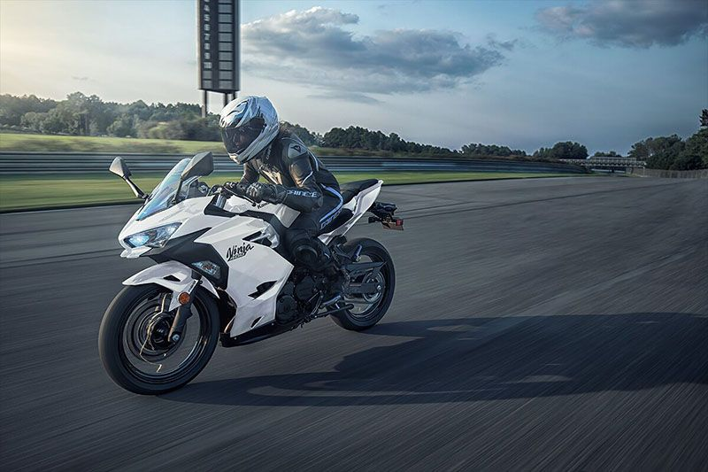 2020 Kawasaki Ninja 400 ABS in White Plains, New York - Photo 5