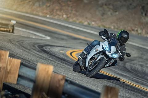 2020 Kawasaki Ninja 650 ABS in Bellevue, Washington - Photo 10