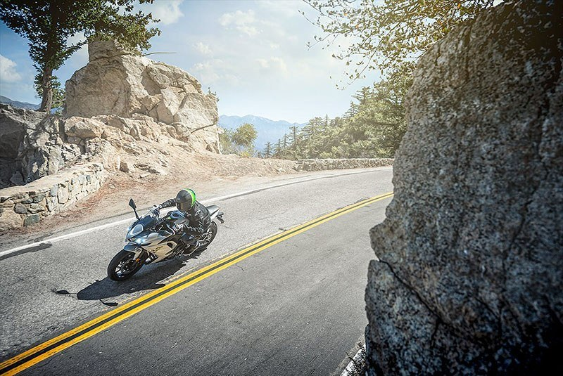 2020 Kawasaki Ninja 650 ABS in Waterbury, Connecticut - Photo 6