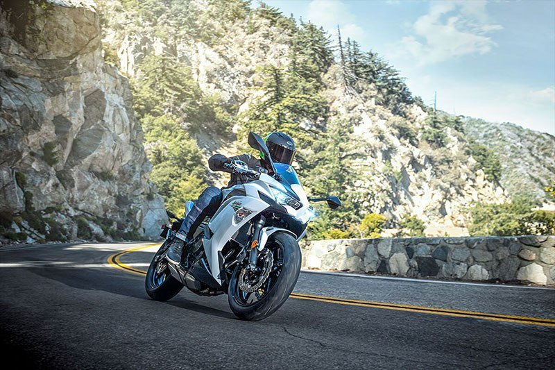 2020 Kawasaki Ninja 650 ABS in Waterbury, Connecticut - Photo 7