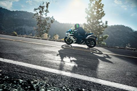 2020 Kawasaki Ninja 650 ABS in Waterbury, Connecticut - Photo 13