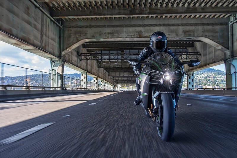 2020 Kawasaki Ninja H2 Carbon in Goleta, California - Photo 5