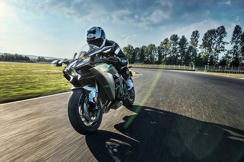 2020 Kawasaki Ninja H2 Carbon in Waterbury, Connecticut - Photo 7