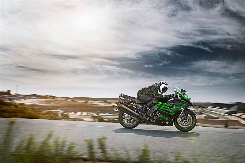 2020 Kawasaki Ninja ZX-14R ABS in Waterbury, Connecticut - Photo 8