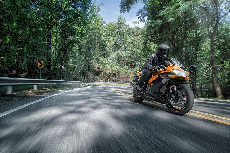 2020 Kawasaki Ninja ZX-6R ABS in Waterbury, Connecticut - Photo 4