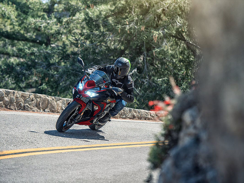 2021 Kawasaki Ninja 650 ABS in Zephyrhills, Florida - Photo 5