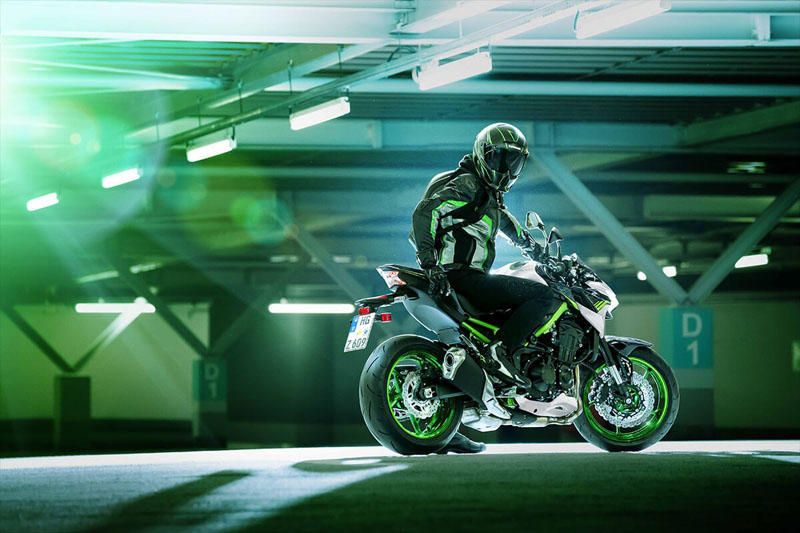 2021 Kawasaki Z900 ABS in Oak Creek, Wisconsin - Photo 12