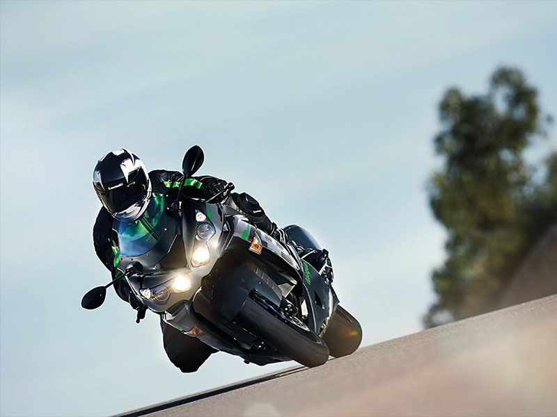 2021 Kawasaki Ninja ZX-14R ABS in Bozeman, Montana - Photo 4