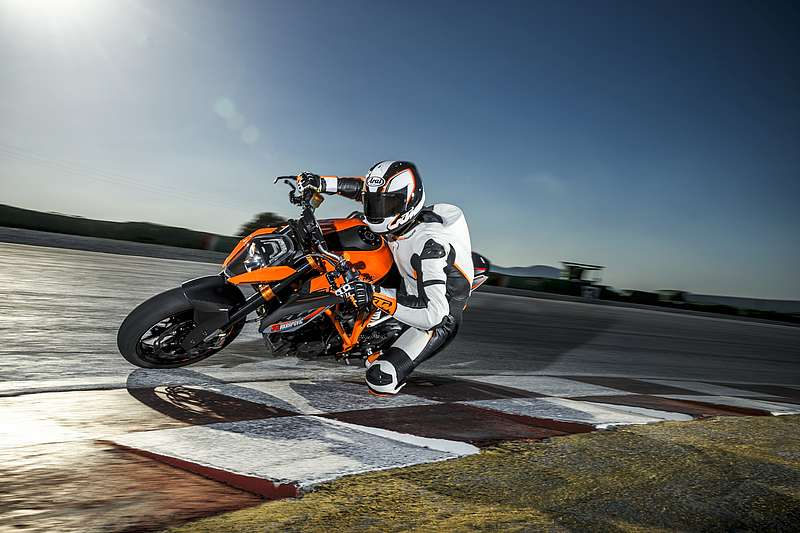 2015 KTM 1290 Super Duke R in Simi Valley, California
