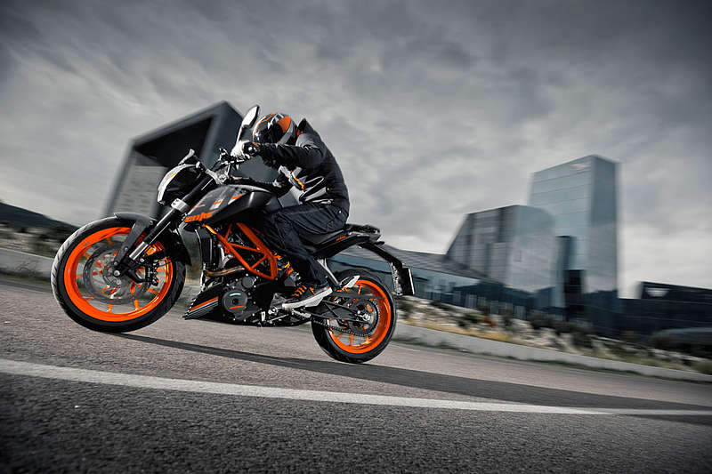 2015 KTM 390 Duke ABS in Costa Mesa, California
